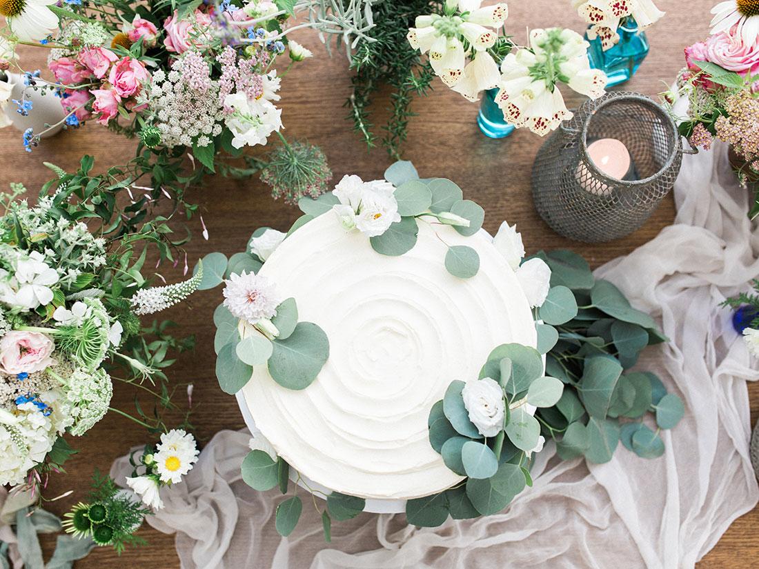 MAINE LAKESIDE AL FRESCO WEDDING by Boston based designer mStarr design