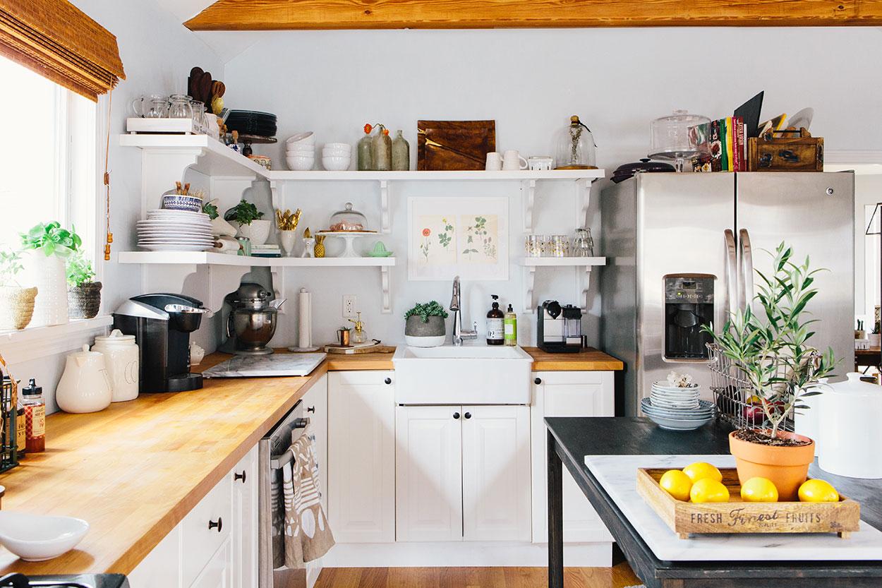 #farmhousedialfano kitchen / circa early 2015 on design*sponge / photo by  joyelle west