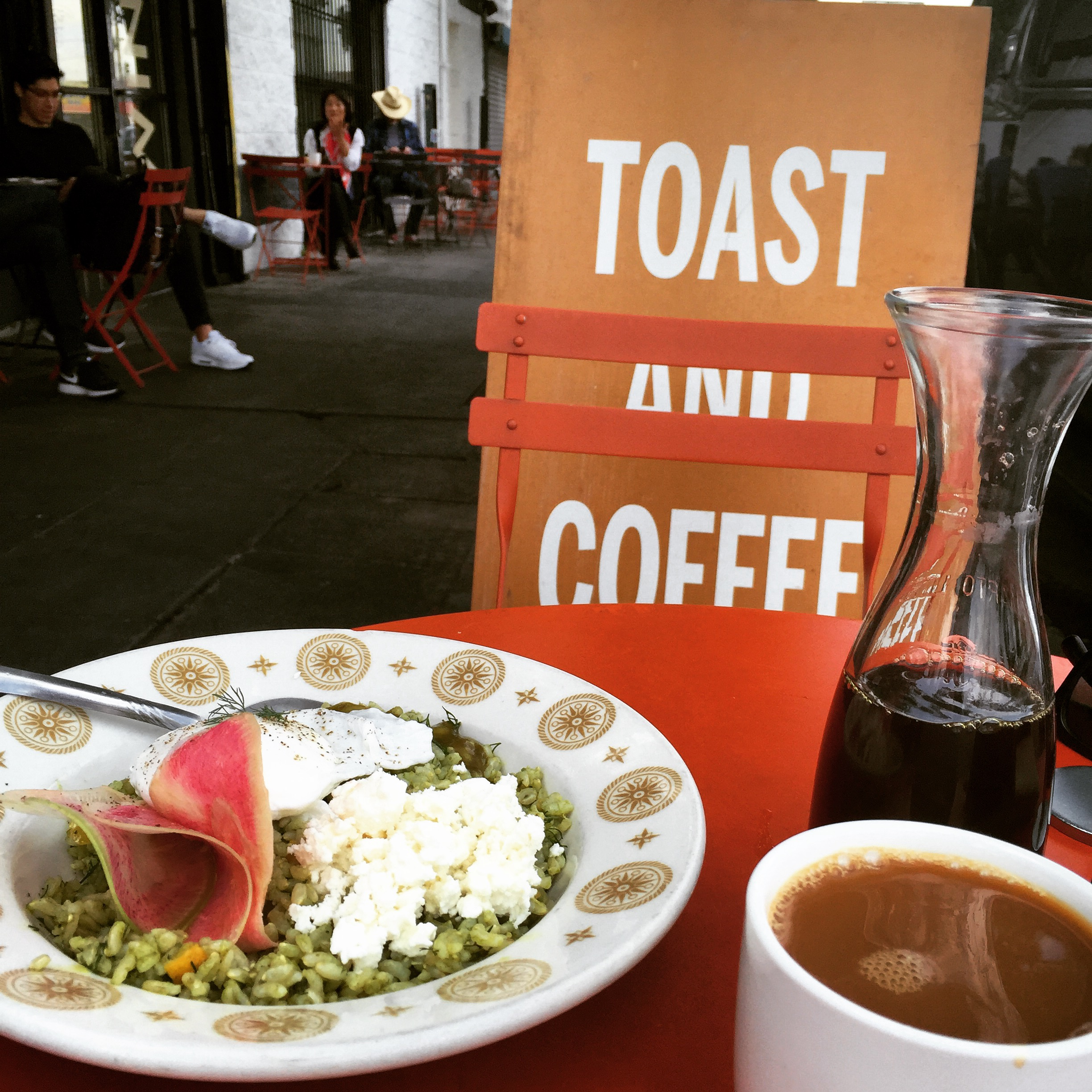 Favorite meal of the trip from SQIRL in Silverlake. Pour over coffee, sorrel pesto rice bowl with poached egg, and ricotta brioche toast with homemade plum jam. PS you can buy the jam online  here !!