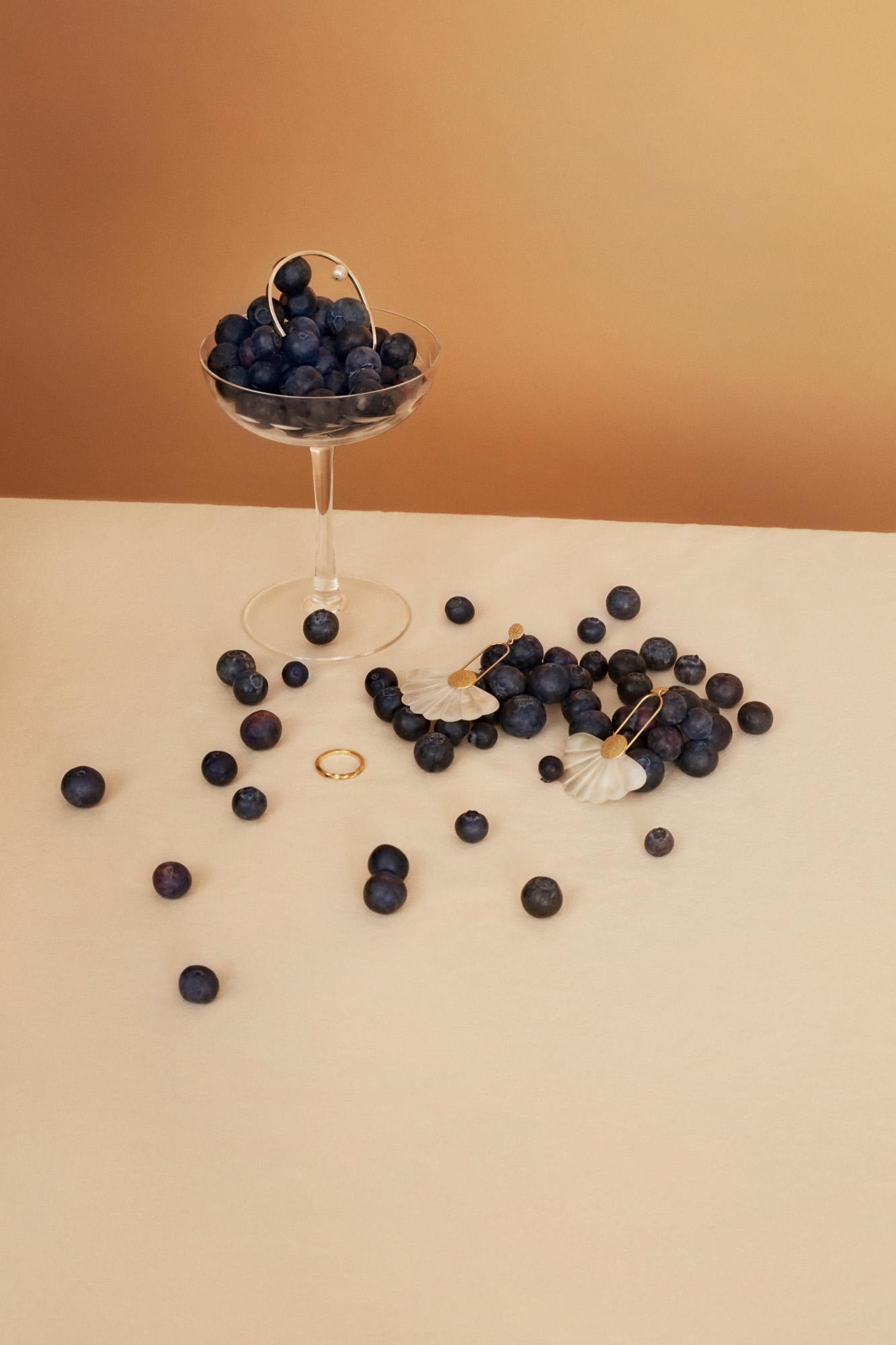 River pearl Bracelet TAKK  Ring with twist Kiki Dieterle  Daisy earrings Candi Berlin