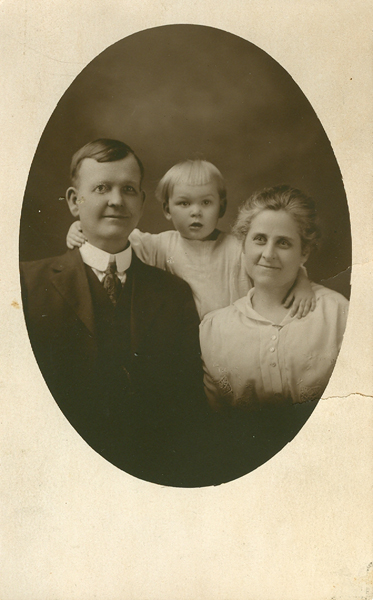 William, Maggie and Margaret Waterhouse Morgan