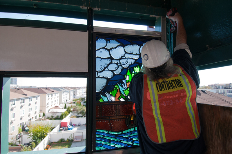 October 2011: Finally the panels are installed at Beach 98th Street Playland Station!