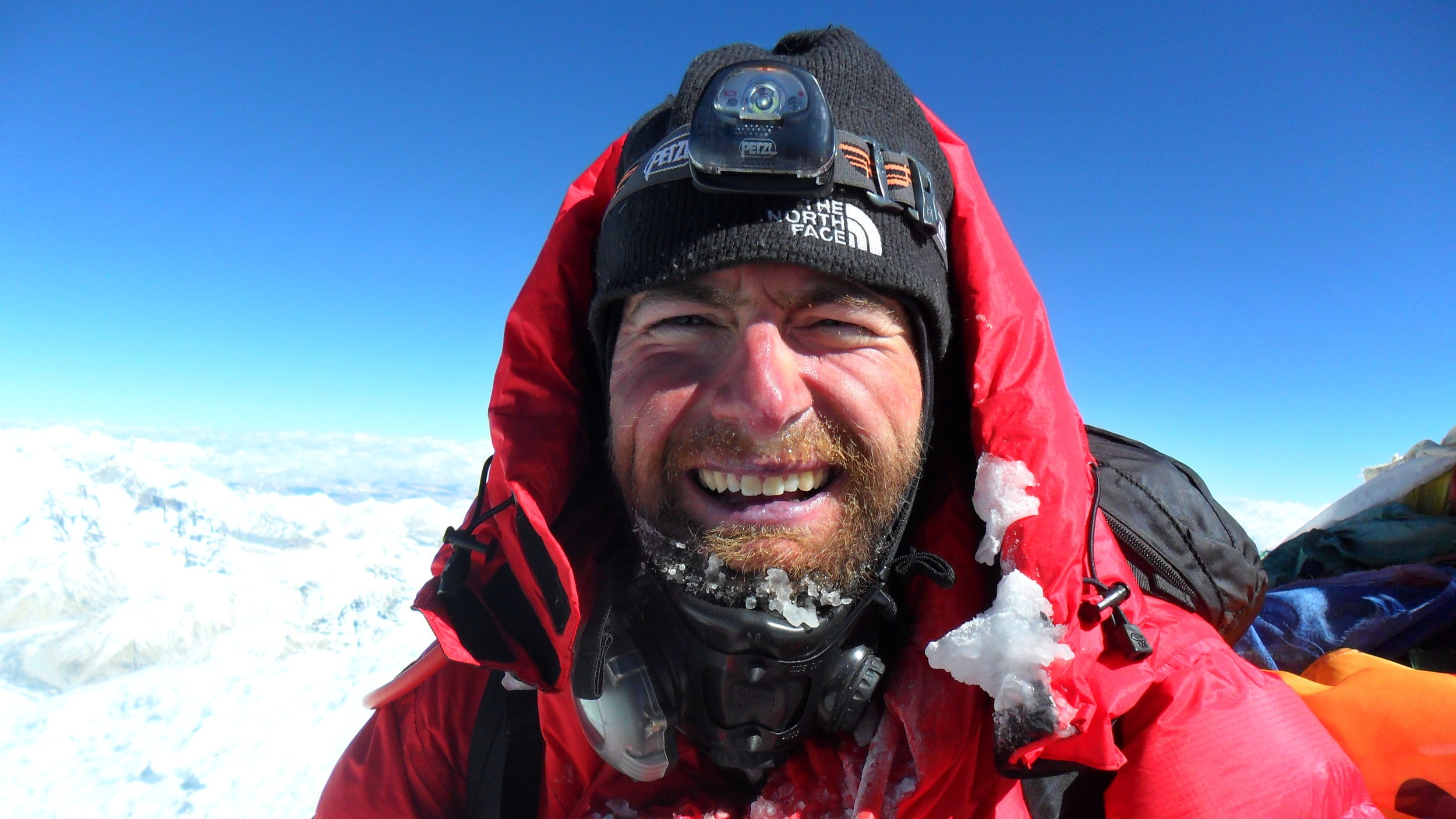 On+the+summit+of+everest+on+11.05.2011.jpg