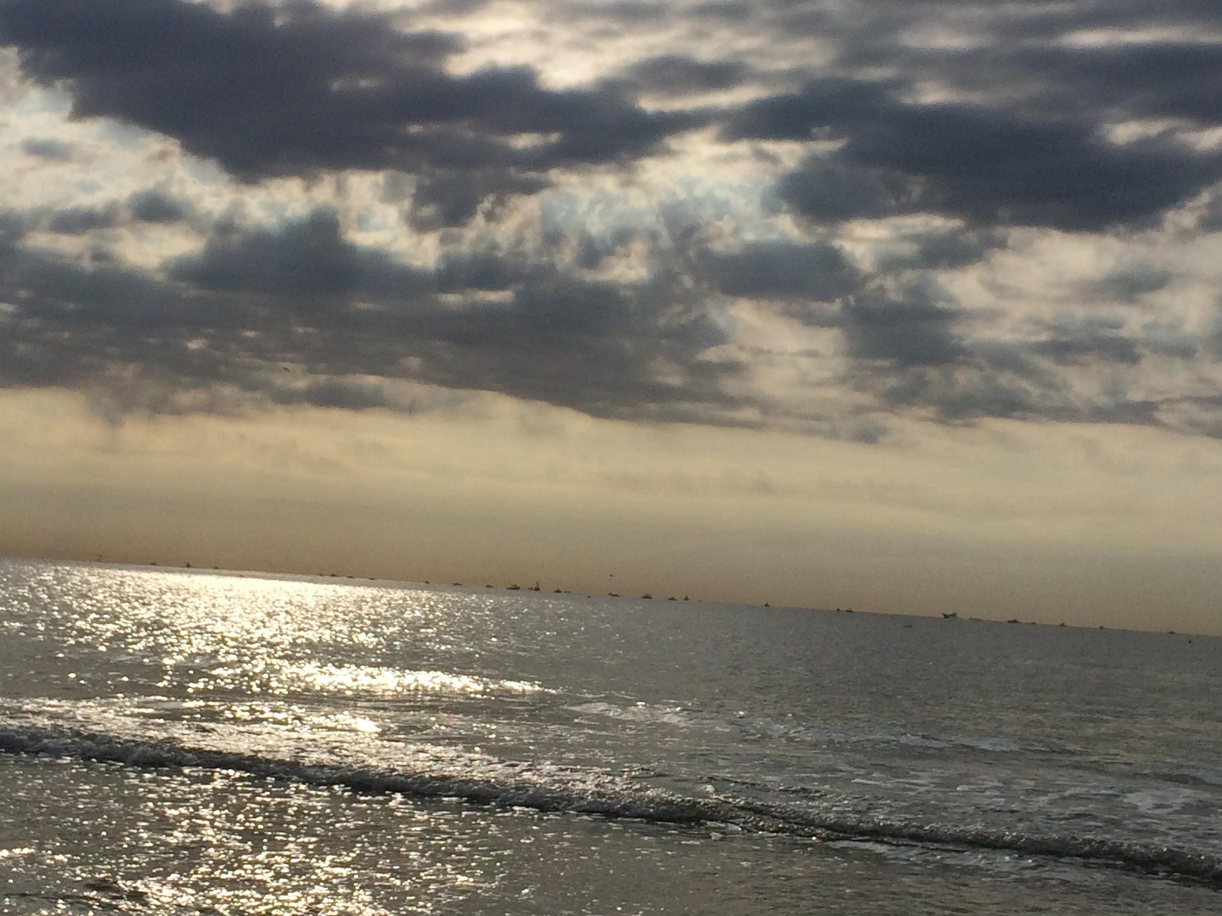 beach: dar & light