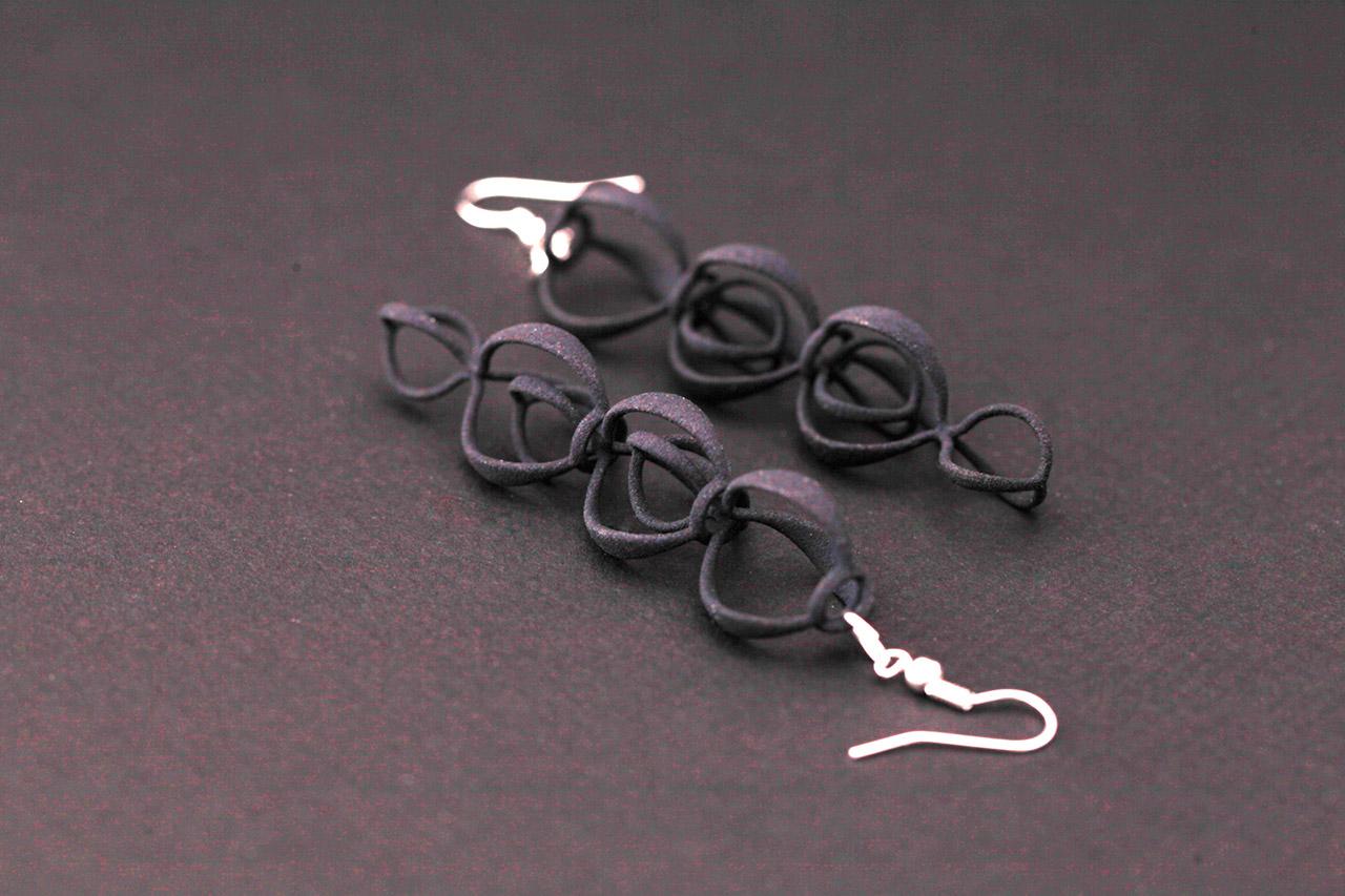 Berries-earrings-1.jpg