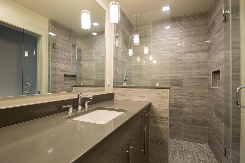 HR-Nebo_527 E Mendenhall-4 master bath.jpg