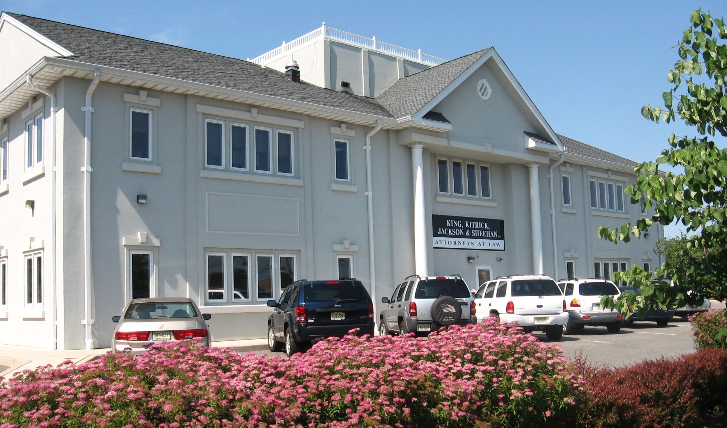 RETAIL + OFFICE BUILDINGS
