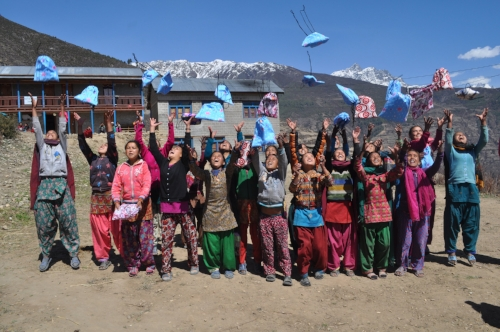 girls. nepal. throwing.2.JPG