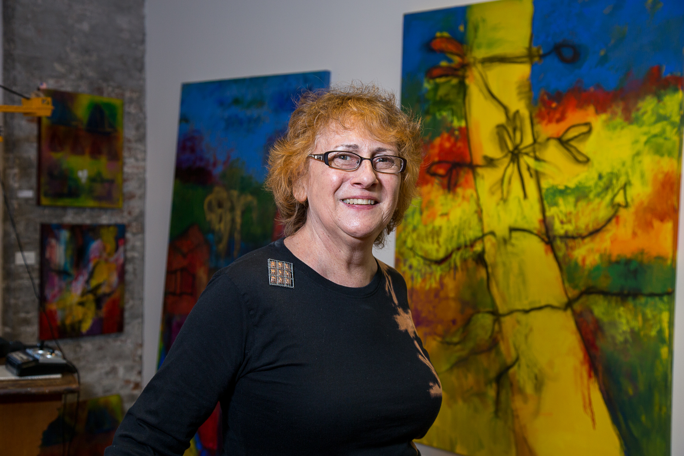 Becky Dwyer in her studio (photo by Sylvia Stagg-Giuliano)