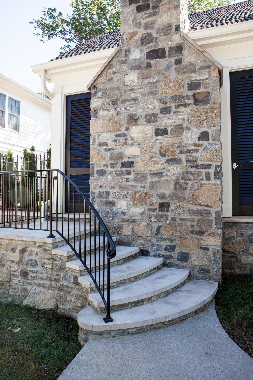 3617 Side Stairs.jpg