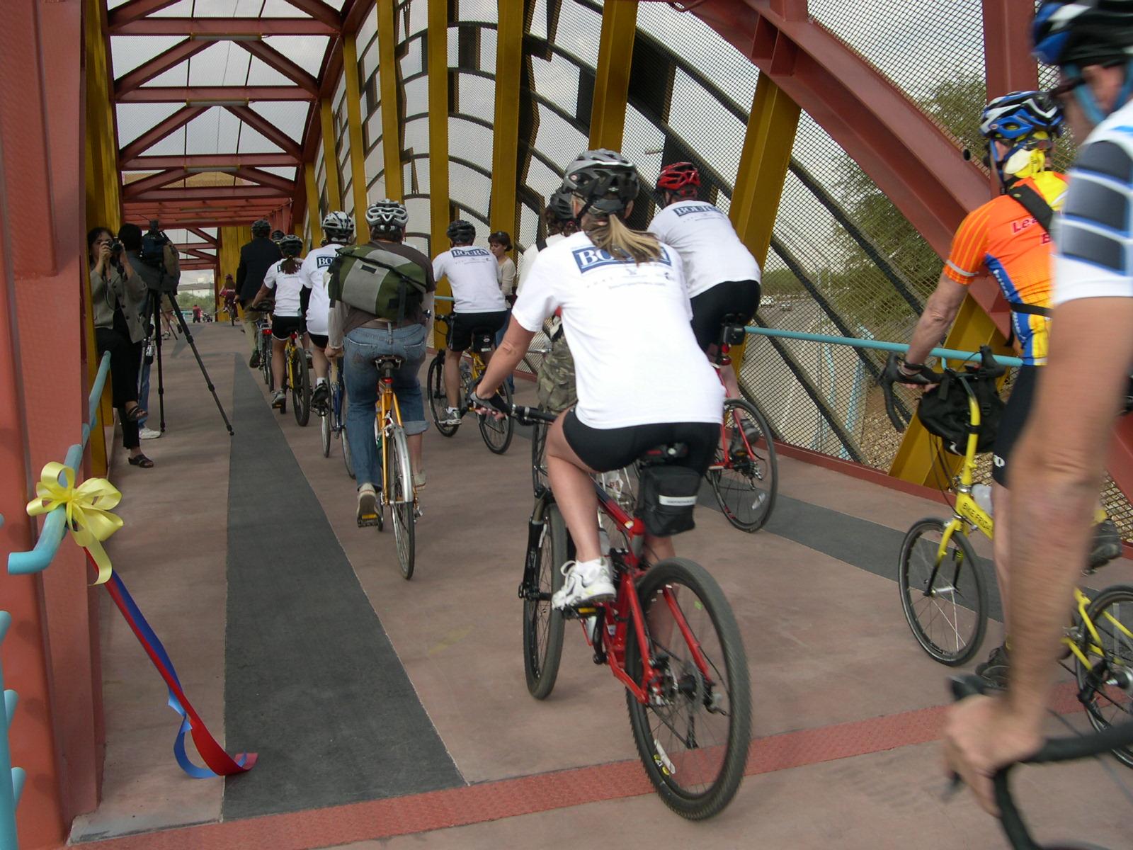 basket-bridge-bikers2.jpg