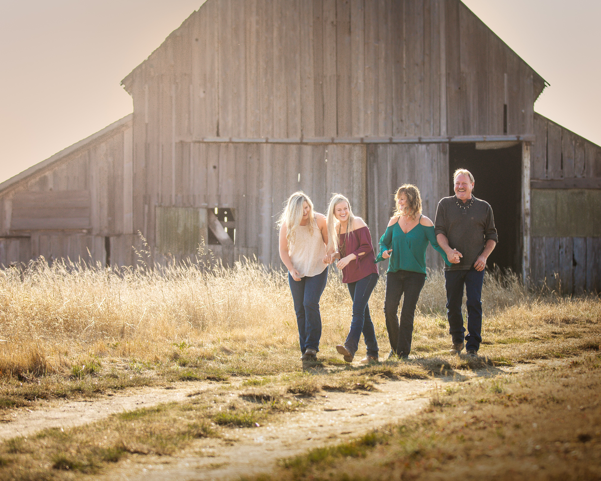 family walking mendocino barn .jpg
