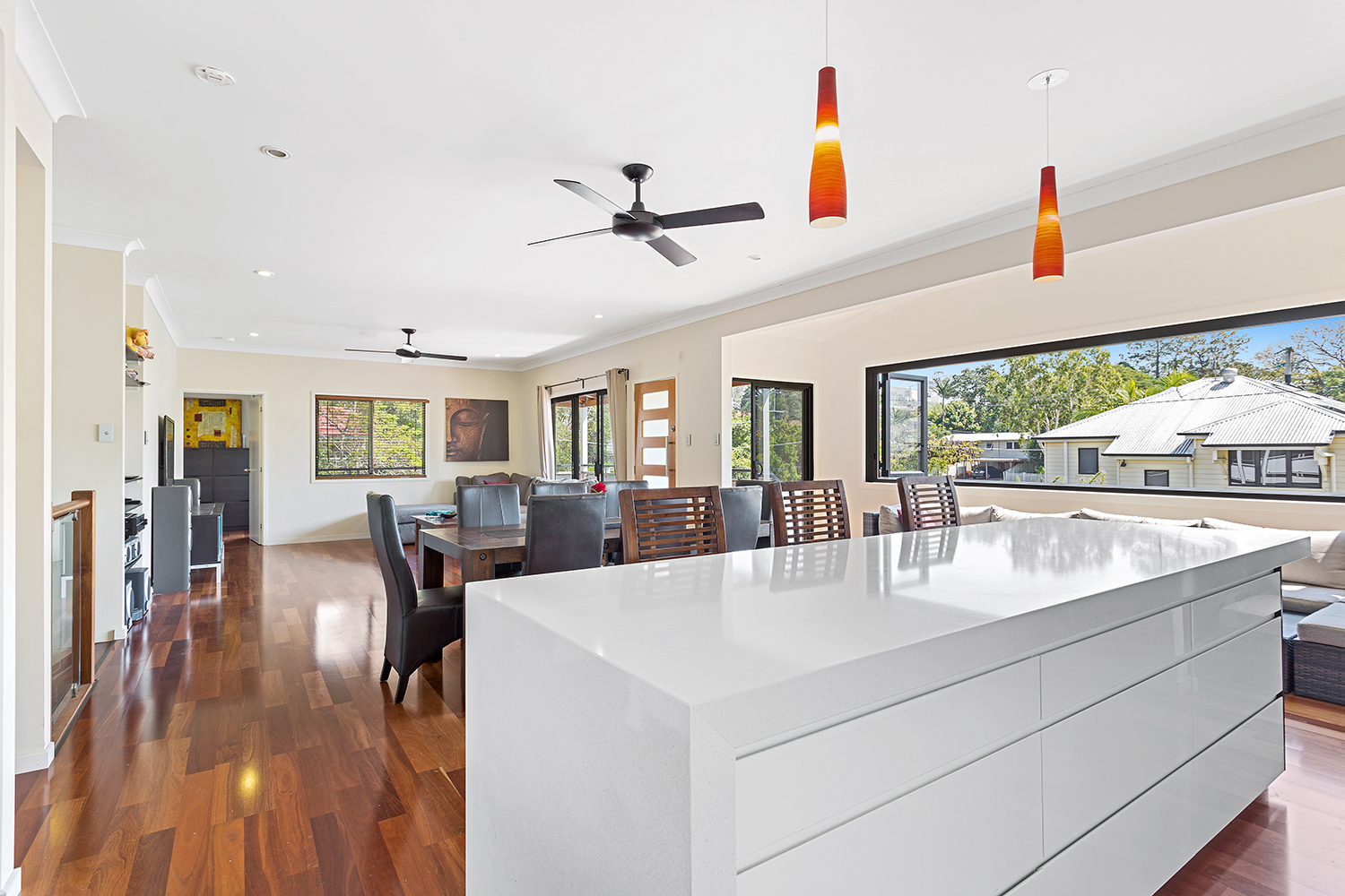 FLEXI HOMES - The Flexi Home range has been developed to suit contemporary Queensland households, providing flexibility to meet a family's changing needs throughout its lifetime. The designs specifically consider a degree of self-sufficiency with an ensuite and a small kitchenette, a separate entry and sitting area for privacy.