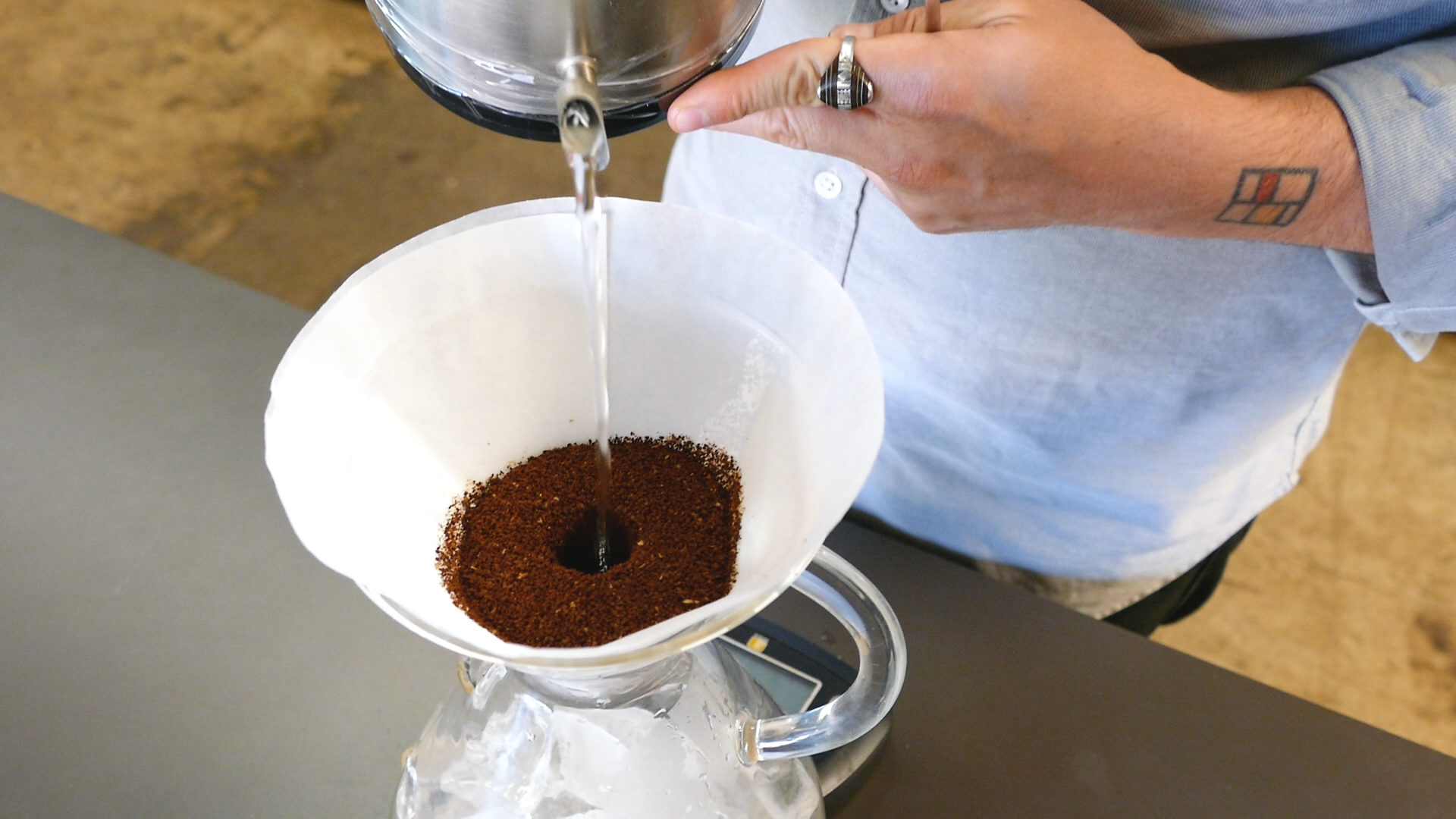 Step 4: Bloom The Coffee With 100g of Hot Water