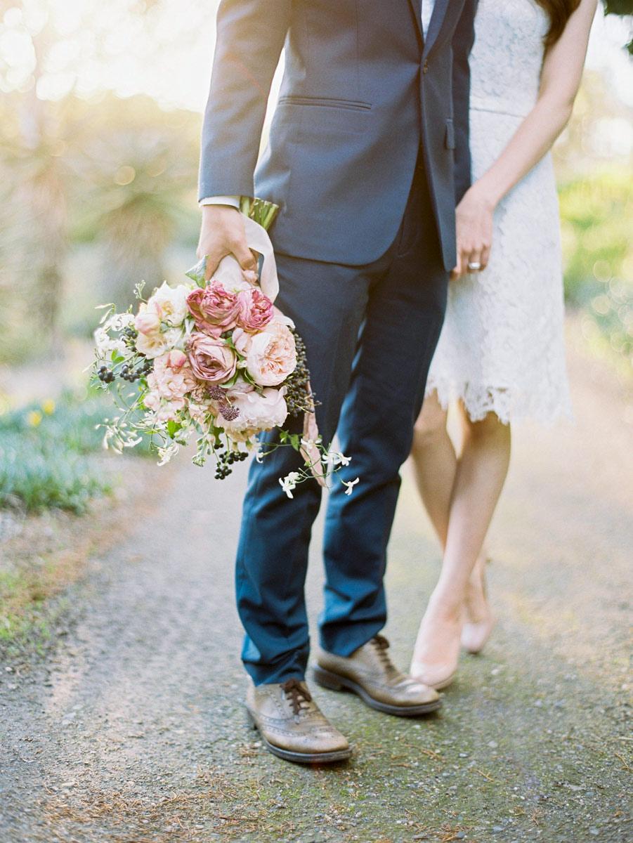 Adelaide wedding photographer flowers bride and groom