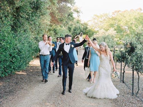 Waverley Estate Port Elliot Wedding Couple followed by music band
