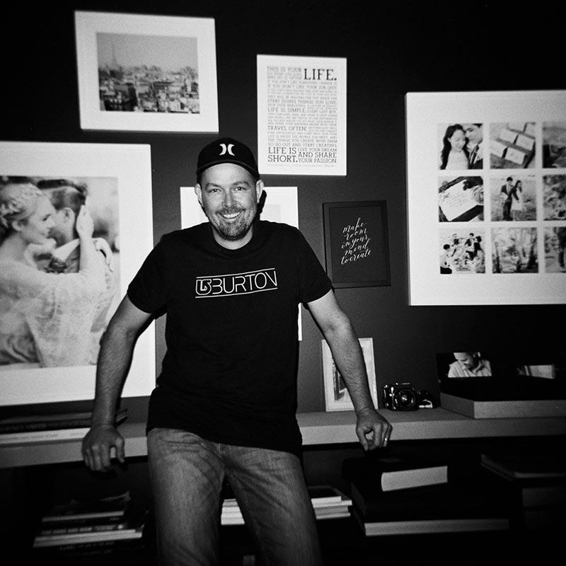 ADELAIDE WEDDING PHOTOGRAPHER BENTINMARCS IN HIS STUDIO