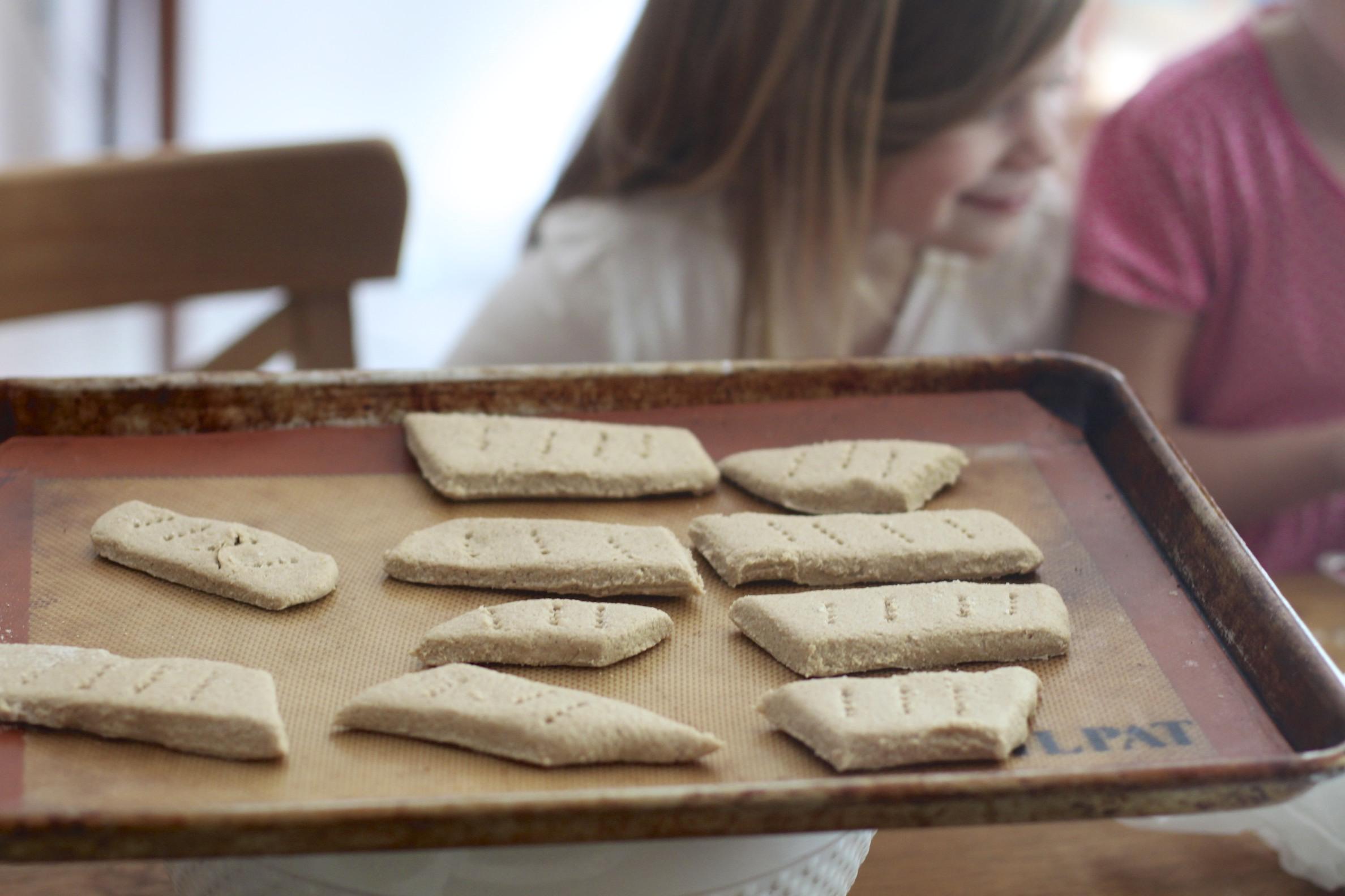 wee ones: homemade biter biscuits