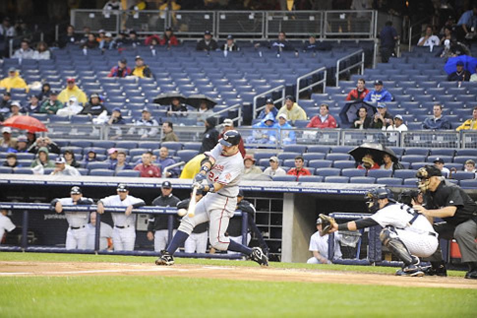 http://www.nydailynews.com/sports/baseball/major-league-baseball-attendance-drops-straight-season-article-1.382040