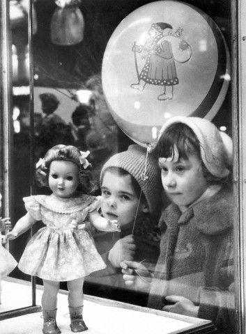 6a7d45470d44ba1596b4fff26a1bbcbe--memoires-doll-shop.jpg