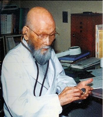 Dr. Hara credited his longevity to daily application of  okyu (moxibustion).