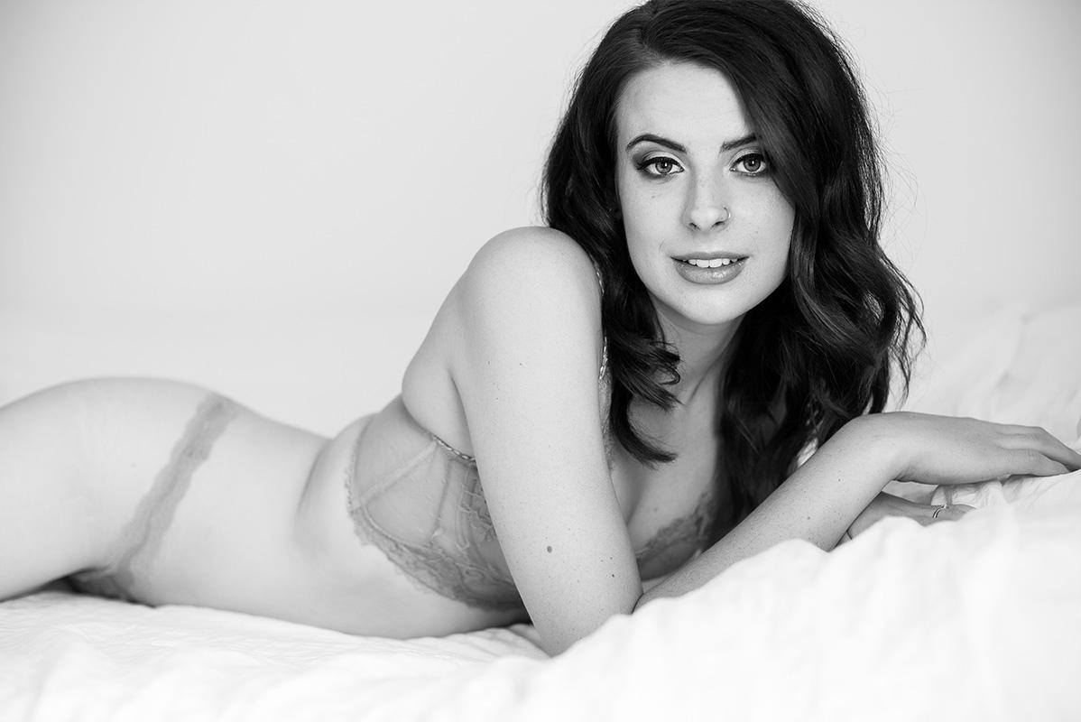 Chelsey Luren Portraits - Vancouver Boudoir Photographer - Madi 3.jpg