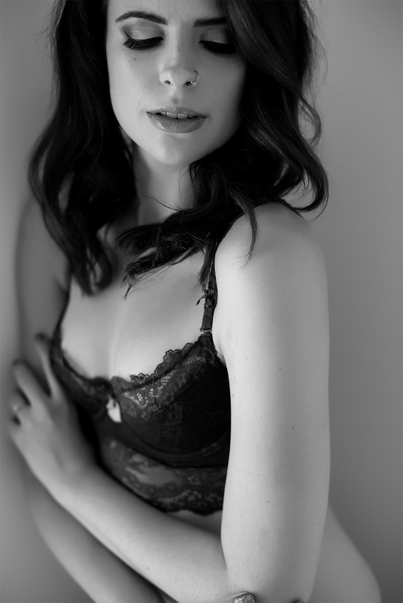 Chelsey Luren Portraits - Vancouver Boudoir Photographer - Madi 9.jpg