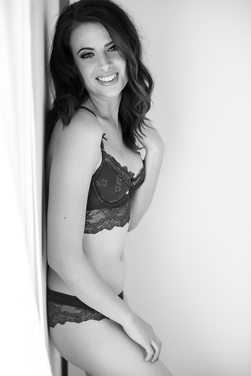 Chelsey Luren Portraits - Vancouver Boudoir Photographer - Madi 10.jpg