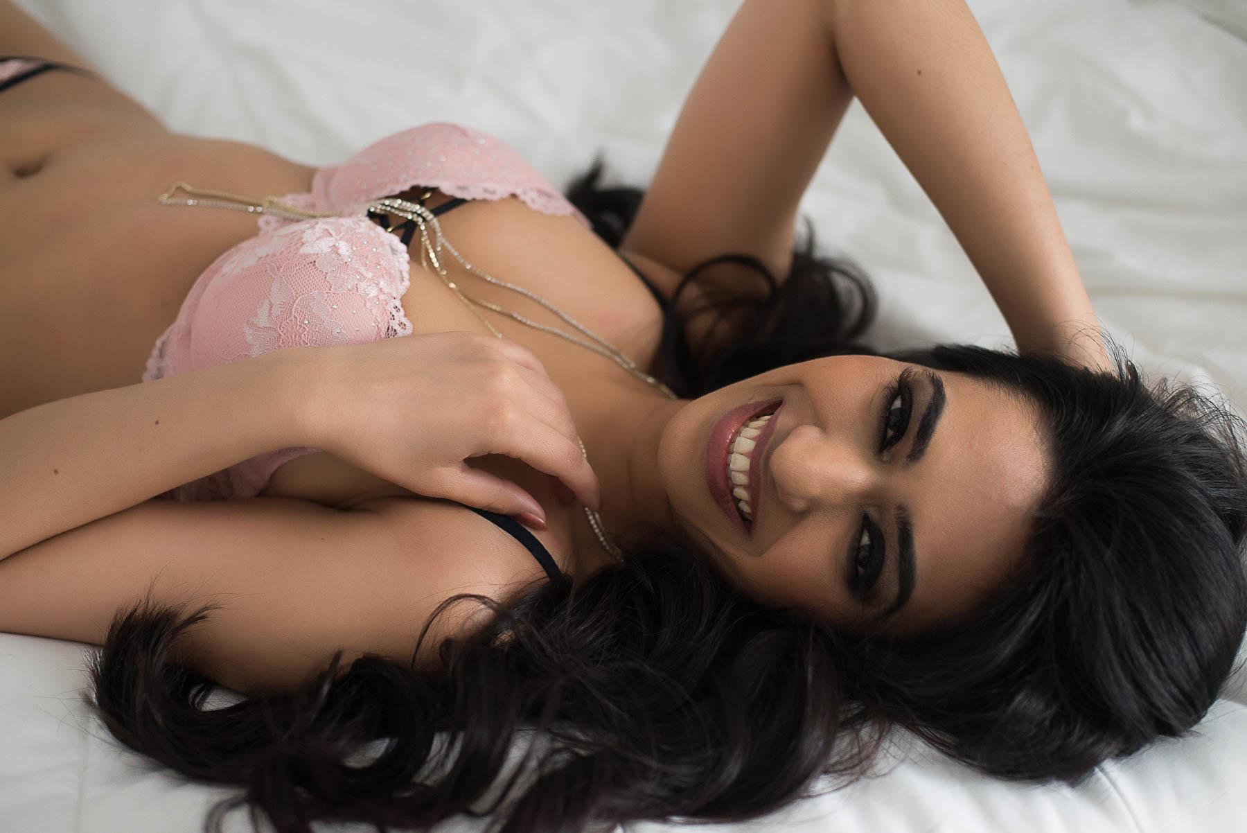 Vancouver body positivity boudoir photographer Chelsey Luren Portraits-2.jpg