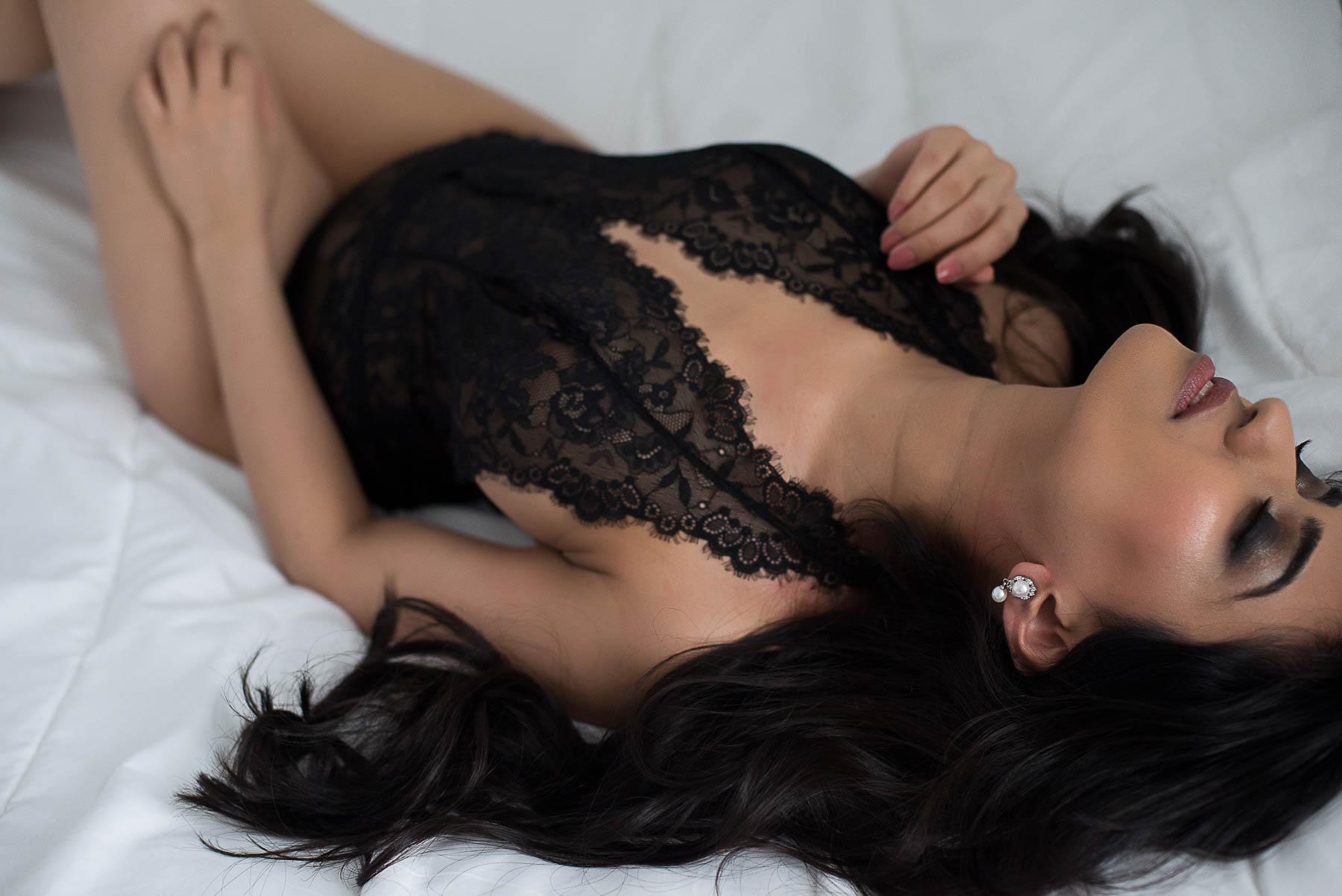 Vancouver body positivity boudoir photographer Chelsey Luren Portraits-9.jpg