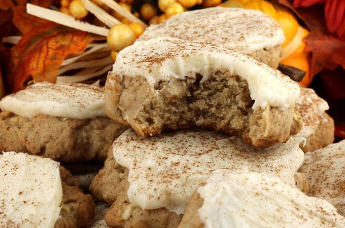 apple-cookies-cream-cheese-frosting-main.jpg