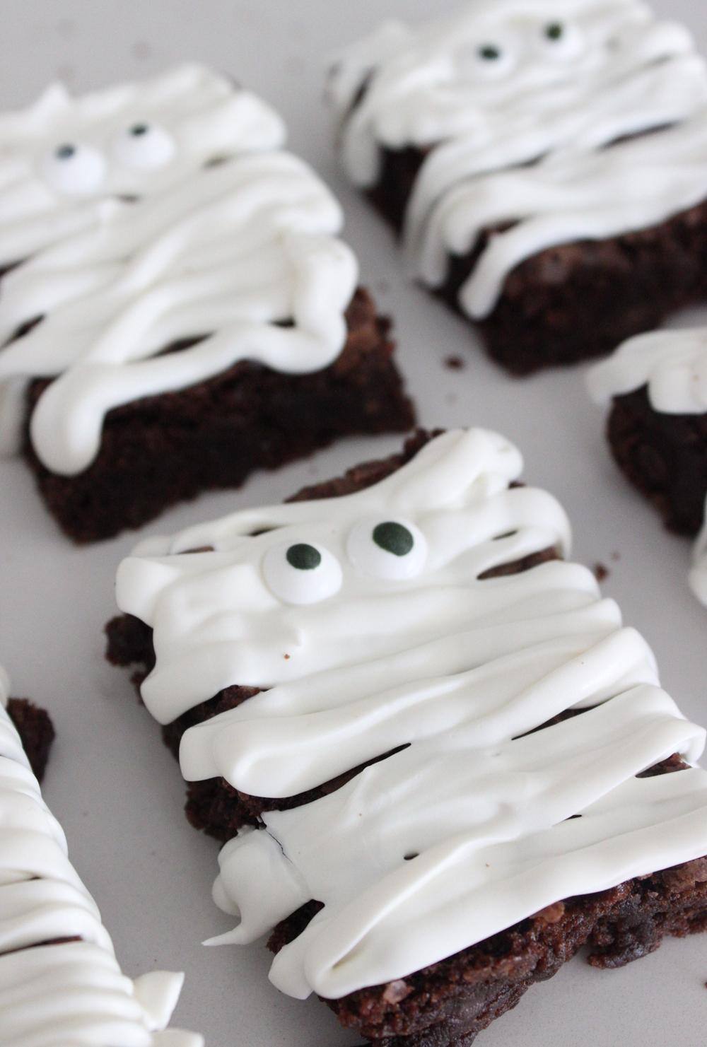 easy-mummy-brownies-pinterest (1).jpg
