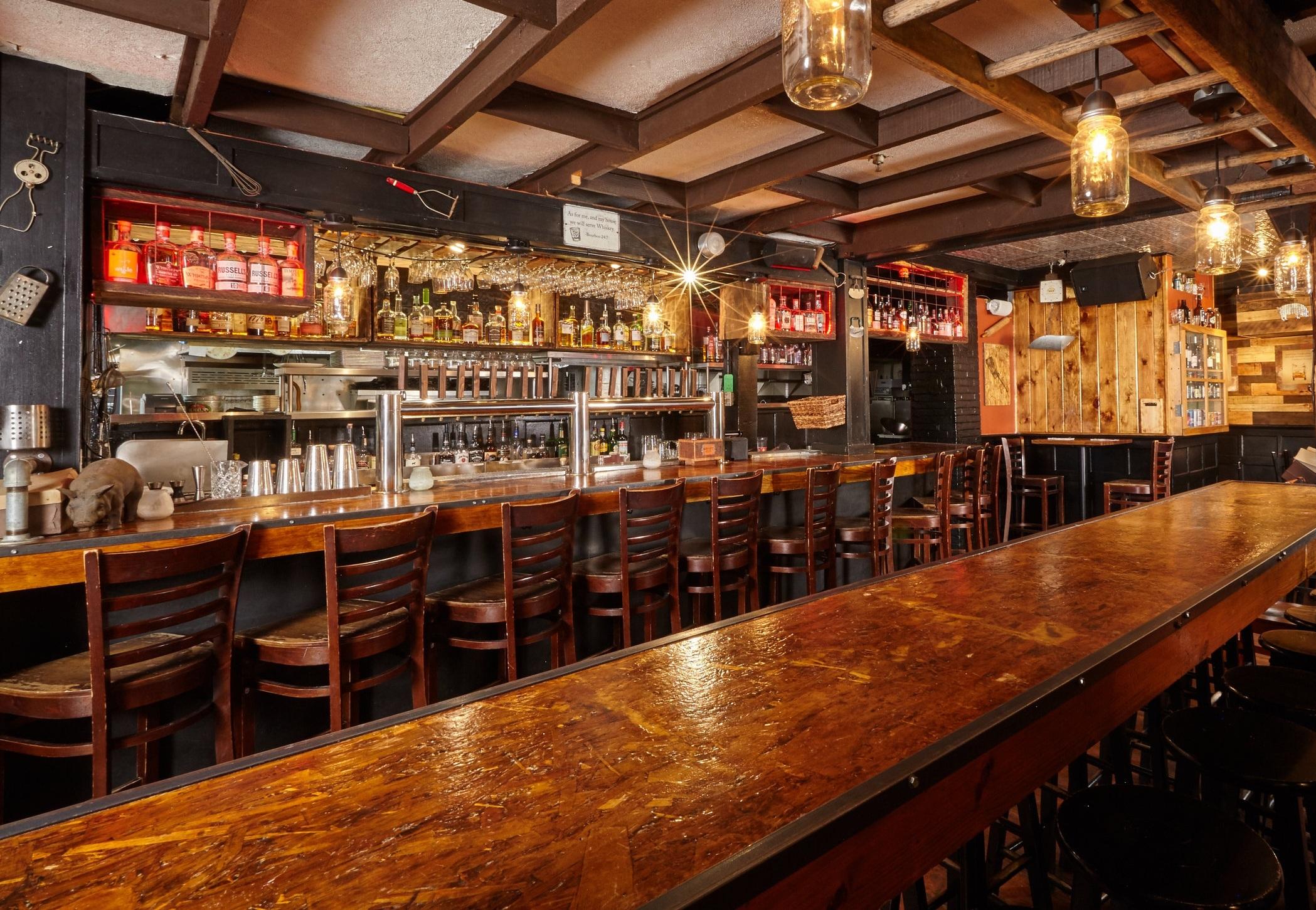 Image via Wharf Southern Kitchen & Whiskey Bar.