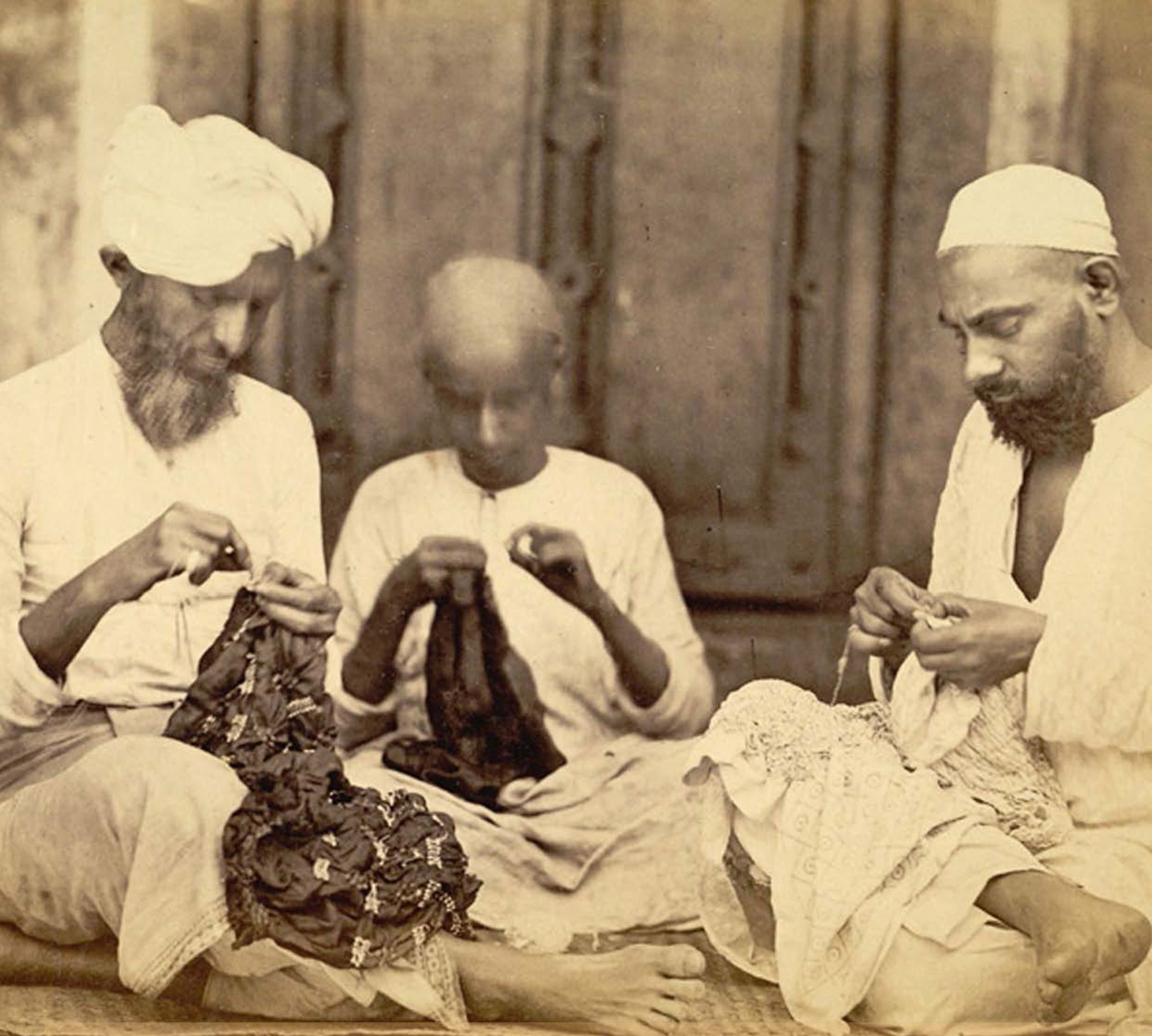 Silk knotters at work in Western India, taken by Shivashanker Narayen in c. 1873, Archaeological Survey of India Collections © British Library