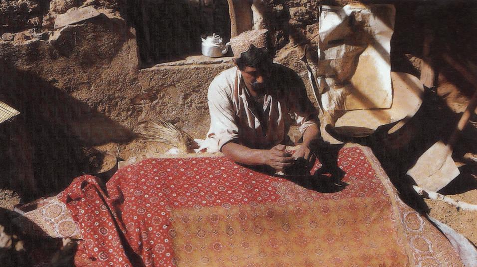 Resist printing of Ajrakh in Sindh. Source: Sindh Jo Ajrakh, Noorjehan Bilgrami