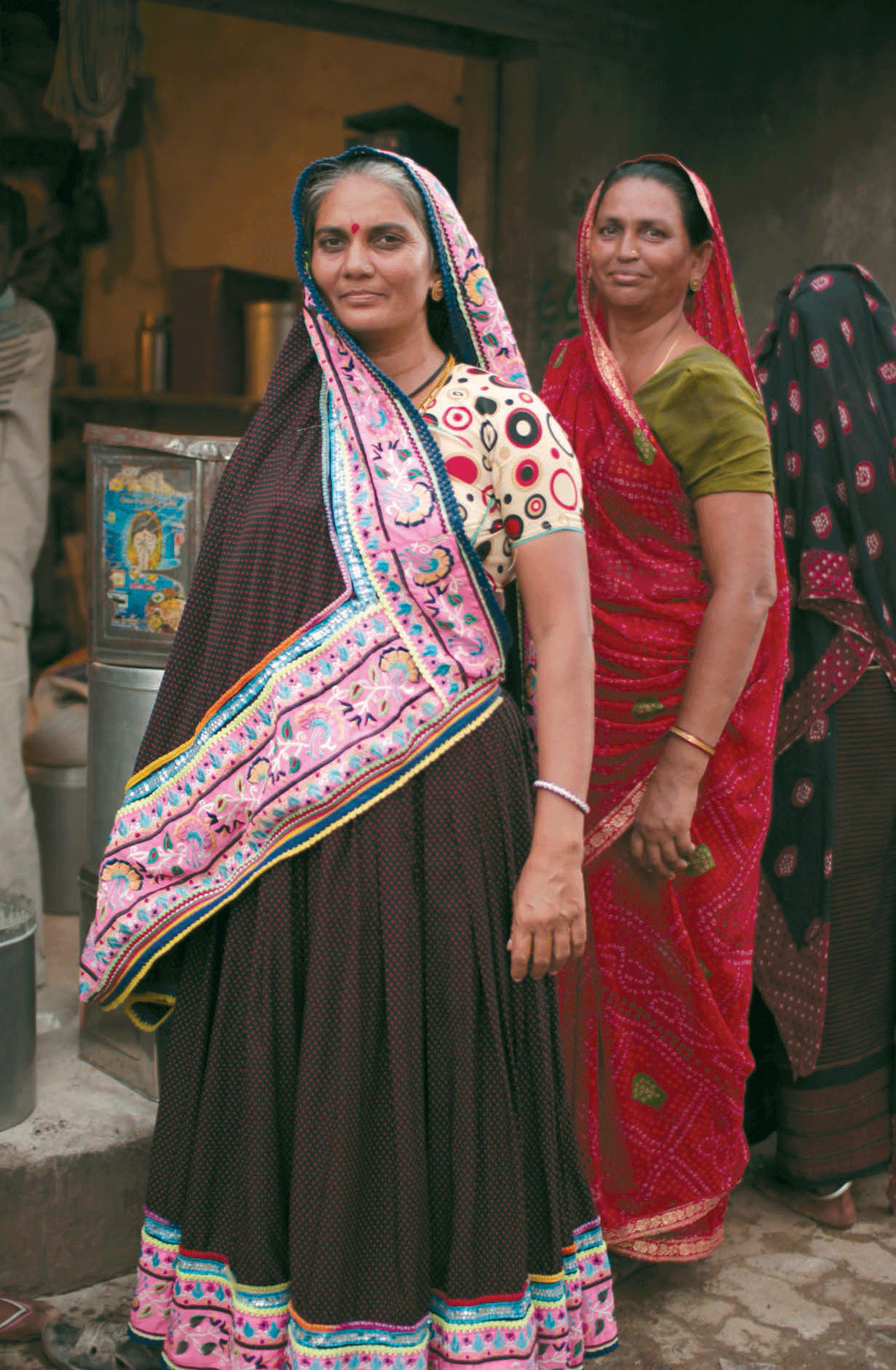 Jimmi , the screen printed design imitating bandhani. It is worn by women between 50-60 years old from the Leva Patel community