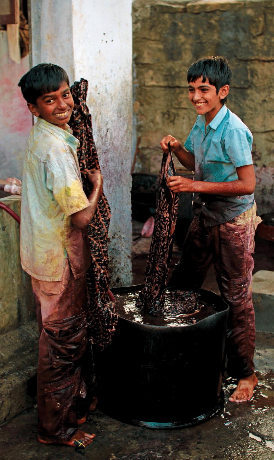 Children learn the art of dyeing when they are very young