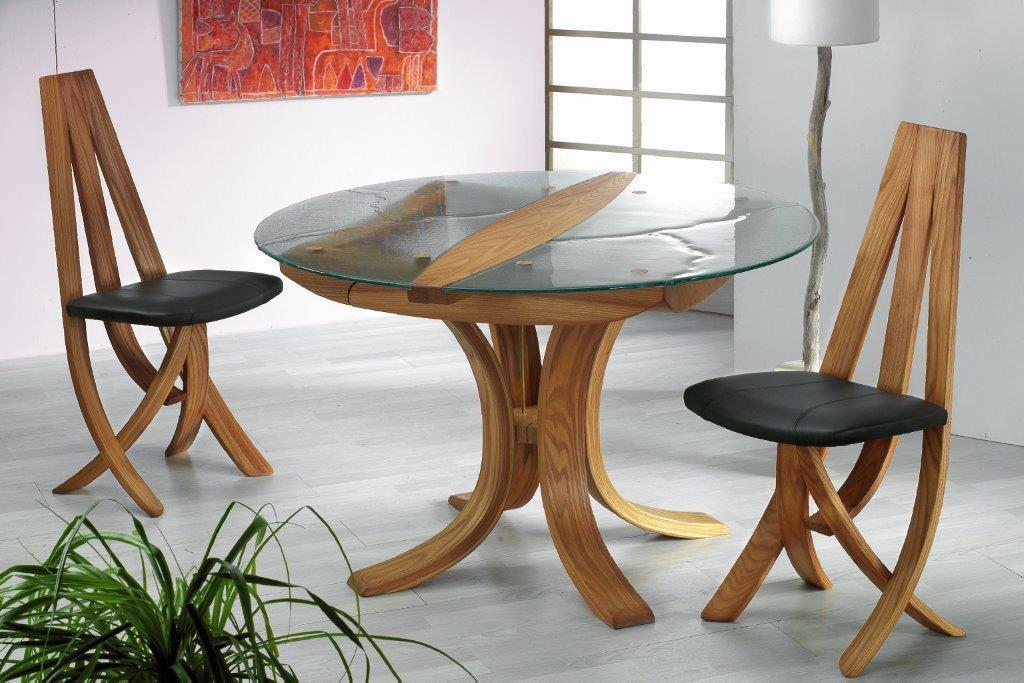 Table et chaises EPONA en orme