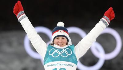 Veronika Vítková se raduje z nejlepšího individuálního umístění své kariéry -  3.místo na olympijských hrách v Pchjongčchangu 2018