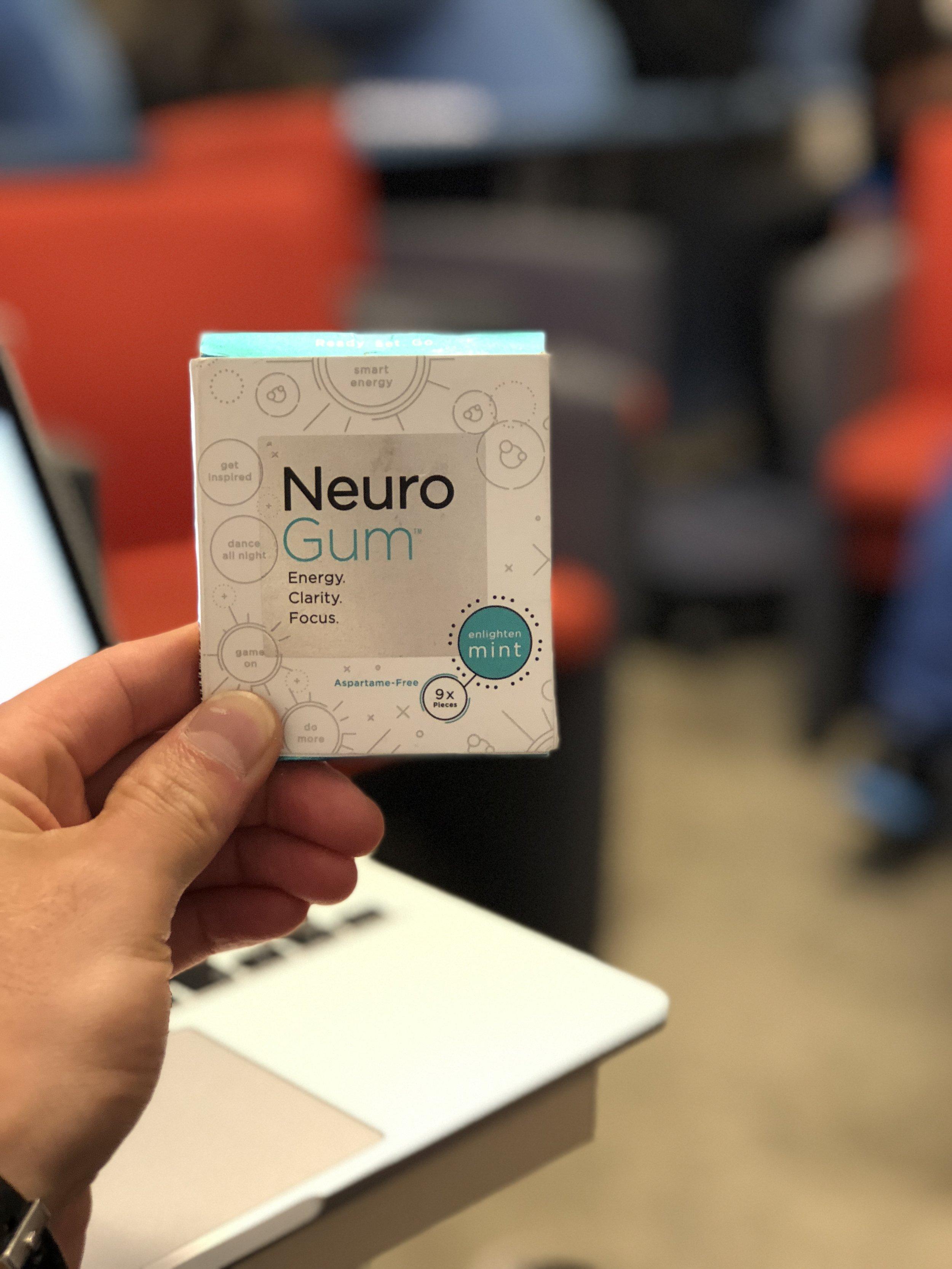 Neurogum - žvejky co slibují chytřejší energii/jasnost/koncentraci. Mám vyzkoušen focus a musím přiznat, že mě bavily a fungovaly. -