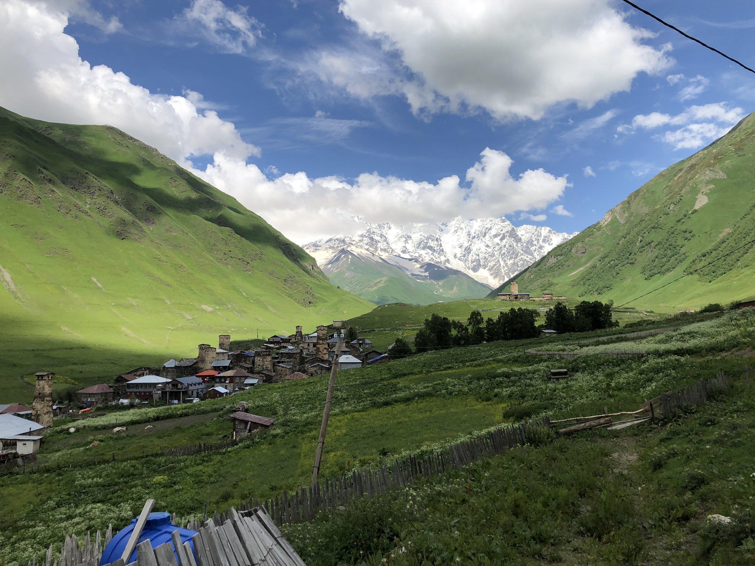 Ushguli - je jedno z nejvyšších neustále obývaných sídel Euroasie.
