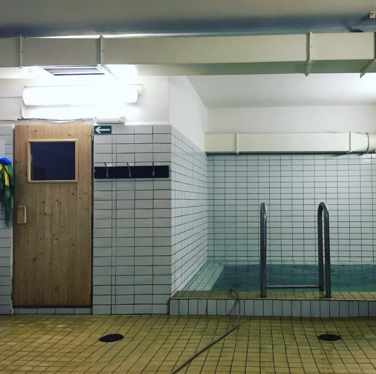 Chodím do univerzitní sauny(OLDSCHOOL) mezi studenty - parádní kolektiv.
