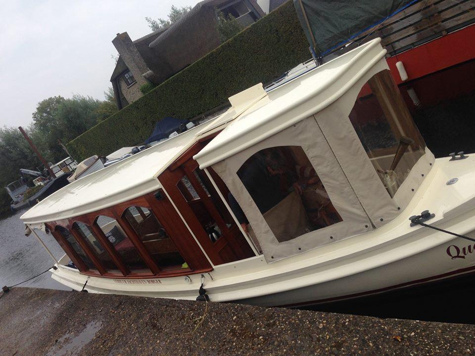 Luxe salonboot voor private diners, high wine & proeverijen - ook in de herfst & winter.