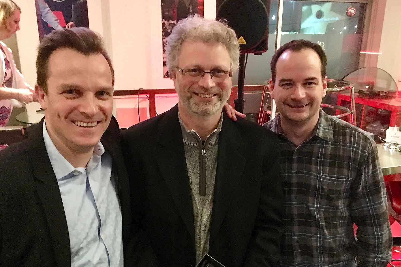 remis à Jean-Martin Simard par Christian Brochu et Gregory McConnell