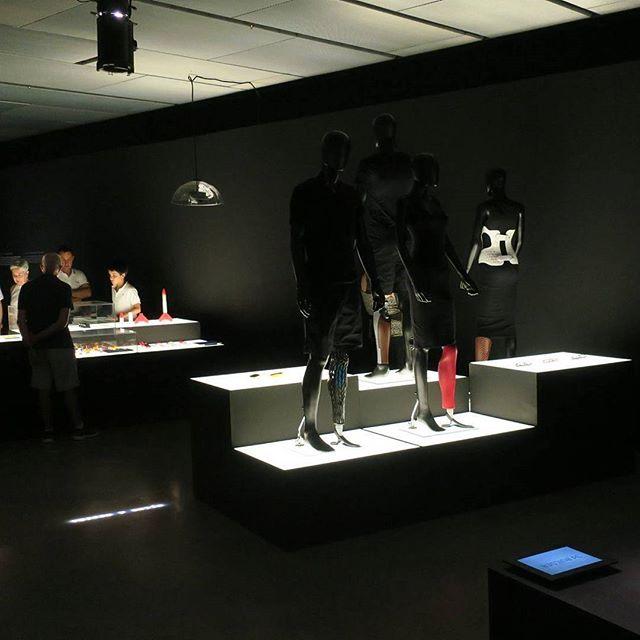 Art4leg team in Madrid at 3D. Imprimir El Mundo until Friday 6th October #art4leg #madrid #trip #3dprinter #3DPRINT #print3d #prosthetics #designweek #studiovacek #tomasvacek #3d #amputee #cleg #clegram #prosthetics #prostheticfashion #imprimirelmundo