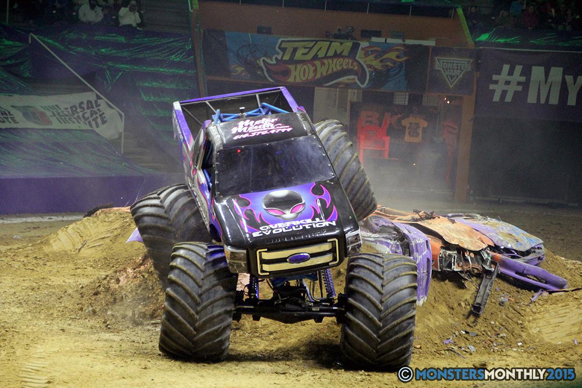 09-monsters-monthly-com-monster-jam-2015-thompson-bolin-arena-knoxville-tennessee-monster-truck.jpg