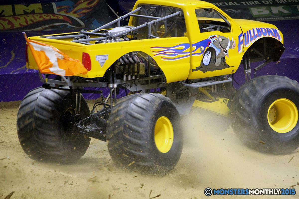 11-monsters-monthly-com-monster-jam-2015-thompson-bolin-arena-knoxville-tennessee-monster-truck.jpg