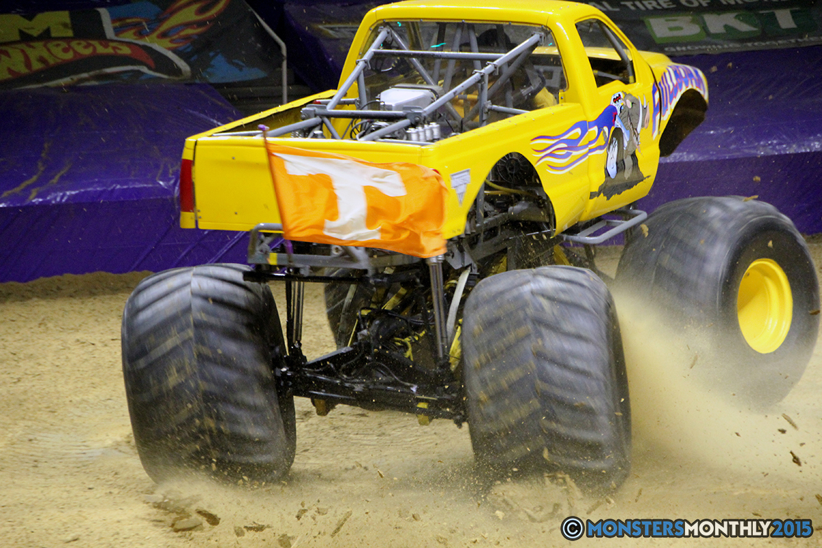 12-monsters-monthly-com-monster-jam-2015-thompson-bolin-arena-knoxville-tennessee-monster-truck.jpg