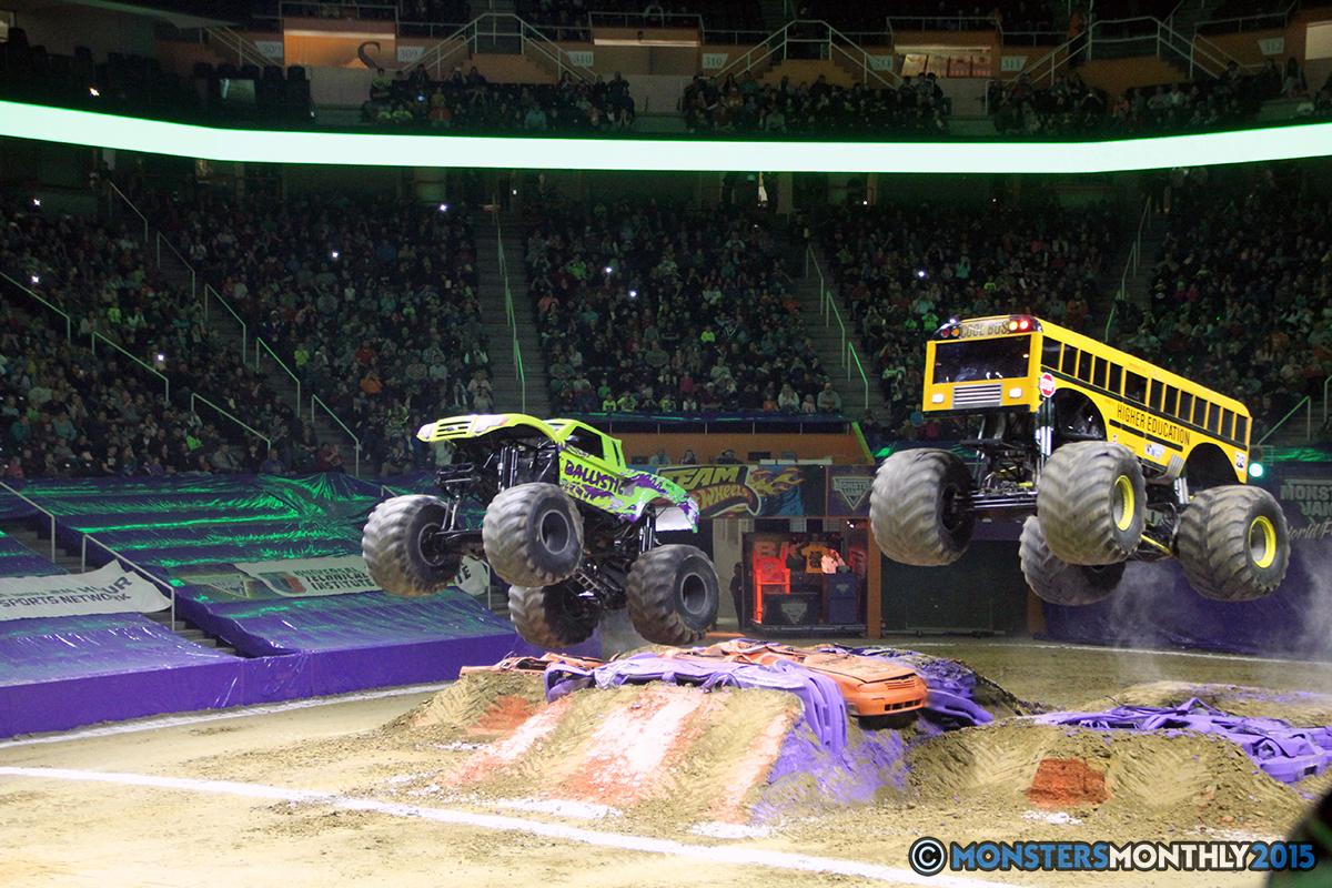 18-monsters-monthly-com-monster-jam-2015-thompson-bolin-arena-knoxville-tennessee-monster-truck.jpg