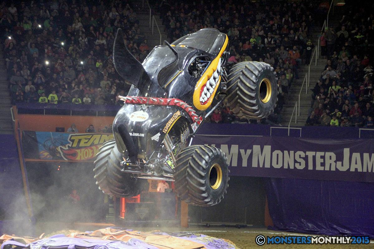 21-monsters-monthly-com-monster-jam-2015-thompson-bolin-arena-knoxville-tennessee-monster-truck.jpg